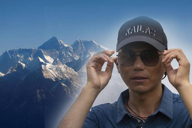 在5月攀登聖母峰之前,張洪進行了長達5年的訓練,包含背負重達30公斤的袋子攀爬醫院的階梯,與攀登許多中國較小的山岳。(本報合成)
