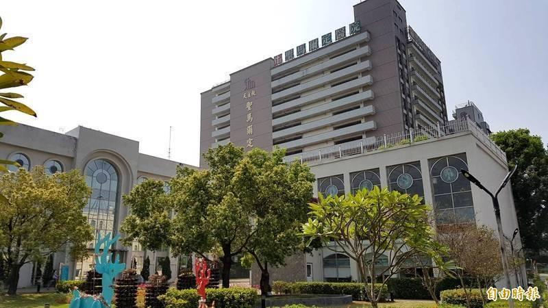 嘉義市的天主教聖馬爾定醫院就為杜絕醫院滋擾事件,準備了一張海報提醒民眾,讓不少人看了都表示心疼。(資料照)