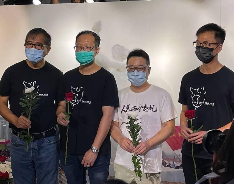 香港市民支援愛國民主運動聯合會(支聯會)指出,六四紀念館下午遭到港府官員上門警告,稱該場地未申請公眾娛樂場所牌照就舉辦展覽,支聯會認為此舉可能涉及政治原因。(圖擷自香港支聯會 Hong Kong Alliance臉書)