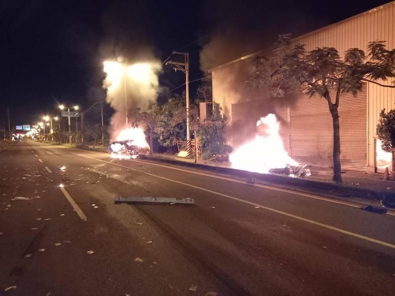 台江大道2車對撞引發火燒車釀3死。(民眾提供)