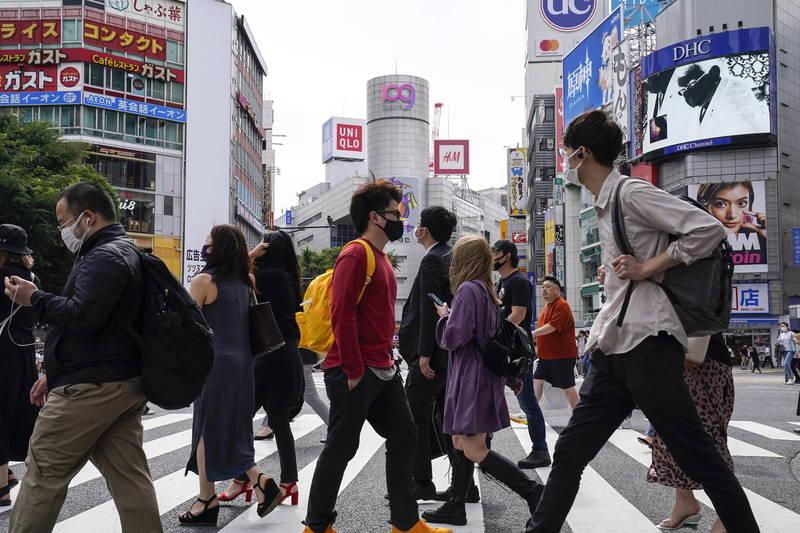日本一項網路調查顯示,逾2成年輕人受疫情所苦陷入憂鬱。圖為東京街景。(歐新社資料照)
