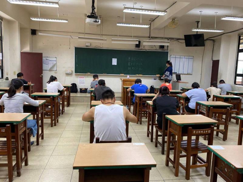 原預訂6月舉辦的桃園市教師甄選將延期至7月辦理,影響人數近8千人。(桃園市政府教育局提供)