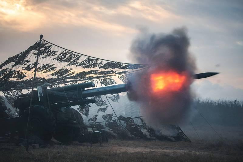 陸軍澎防部155榴砲實彈射擊。這型牽引式155榴砲砲齡雖然有些高,但射程可達15公里,威力依然強大。(圖:取自中華民國陸軍臉書專頁)