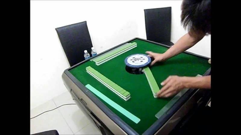 電動麻將桌。(資料照,記者陳恩惠翻攝)