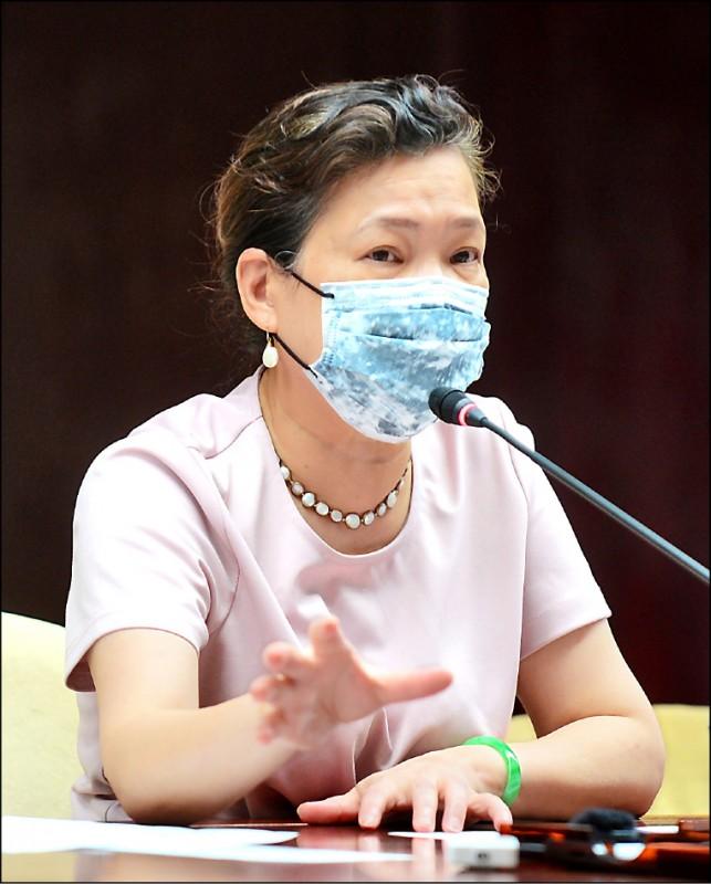 經濟部傳出與部長有接觸的同仁確診,包括部長王美花及次長曾文生啟動居家隔離14天。(資料照)