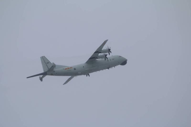 國防部先前公布侵擾我西南空域的運8反潛機同型機照片。(國防部提供)