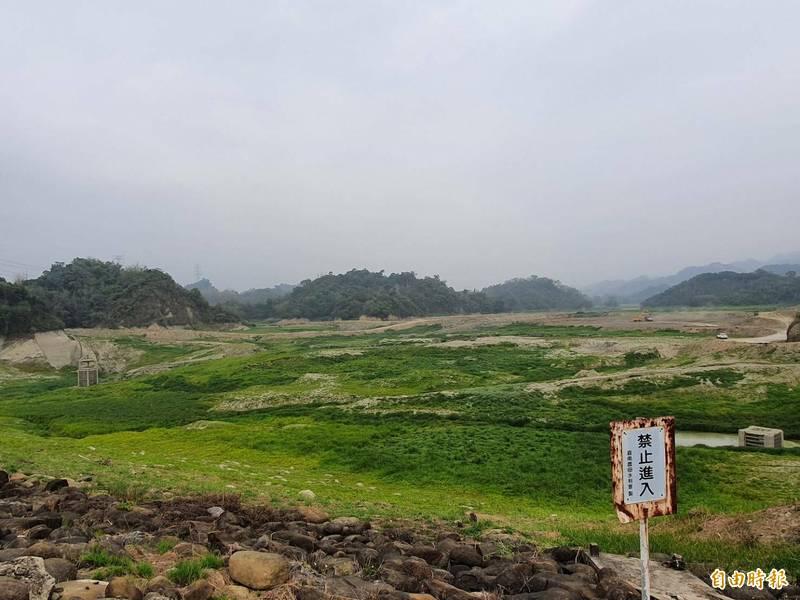 白河水庫目前正進行清淤工程,已無蓄水功能,因近日山區連續豪大雨,今凌晨起進行空庫排砂。(資料照)