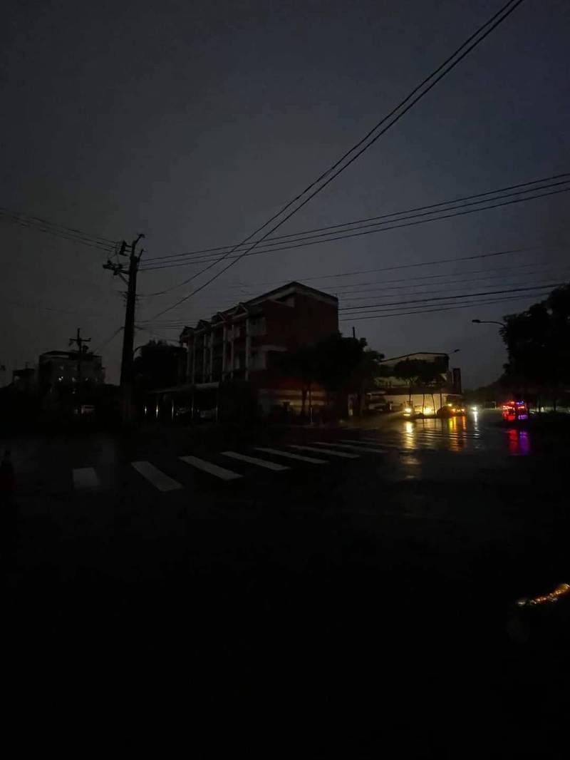 宜蘭縣羅東鎮昨晚無預警停電,停電原因眾說紛紜。(圖擷取自宜蘭知識+)