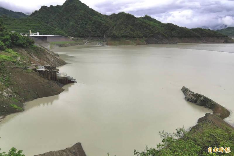 台南市連日雨勢不斷,曾文水庫、烏山頭水庫及南化水庫等台南3大水庫的總蓄水量也倍增。(資料照)