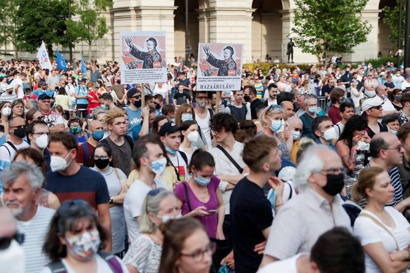 匈牙利規劃在首都布達佩斯設立中國復旦大學分校,民眾紛紛走上街頭抗議。(路透)