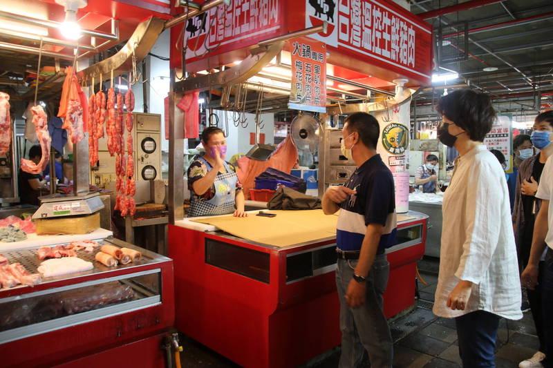 台東市中央市場及周邊實施身分證尾數假日人流管制。(記者黃明堂翻攝)