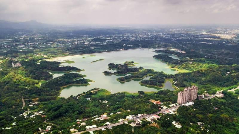 仁義潭水庫6月8日空拍照。(拍攝者王士昇)