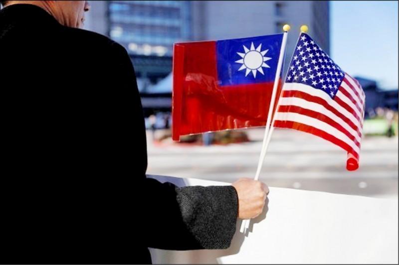 經貿談判總代表鄧振中和外交部昨均表示,外交與經貿部會共同努力安排,透過既有管道與美方研商、積極推動。(路透資料照)