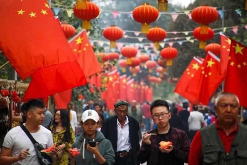 由於人口結構變化,中國從一胎化走向三孩。(路透)