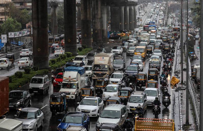 印度10日單日新增死亡病例數超越6000例,成為疫情以來,各國最高單日新增死亡病例數紀錄。圖為印度街景。(歐新社)