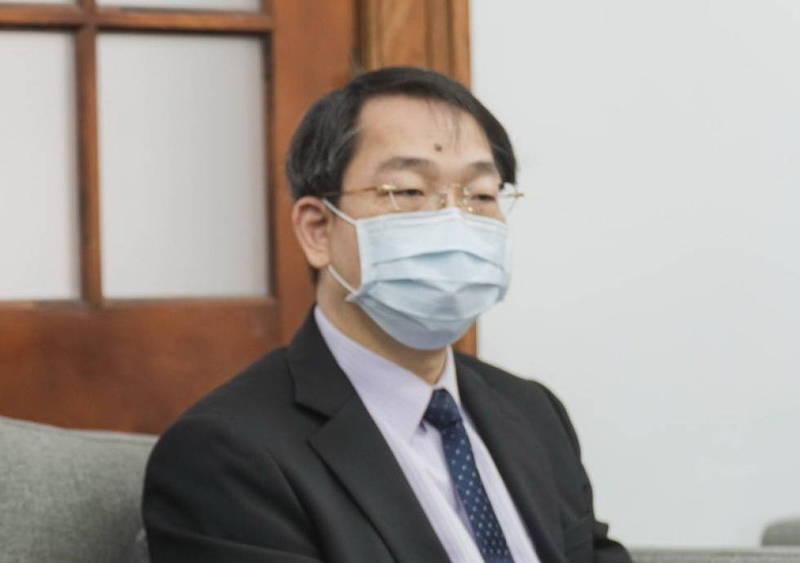 新竹空軍醫院長私打疫苗 國防部:立即調整職務