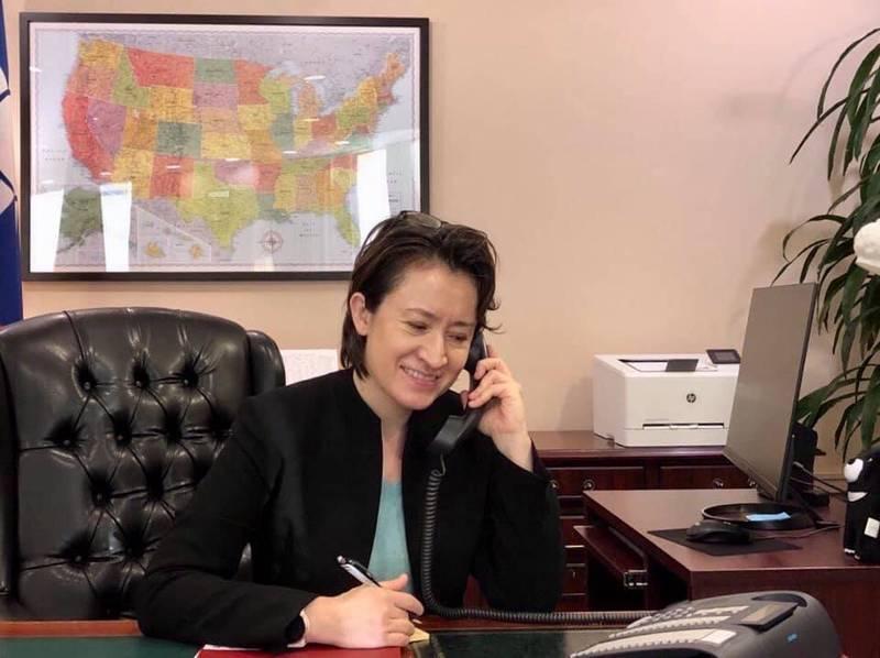 駐美代表蕭美琴表示,戴琪與鄧振中10日舉行的視訊會議,是一場成果豐碩的討論,為建立穩健的貿易夥伴關係鋪路,並為台美雙方創造經濟成長。(駐美代表處提供)
