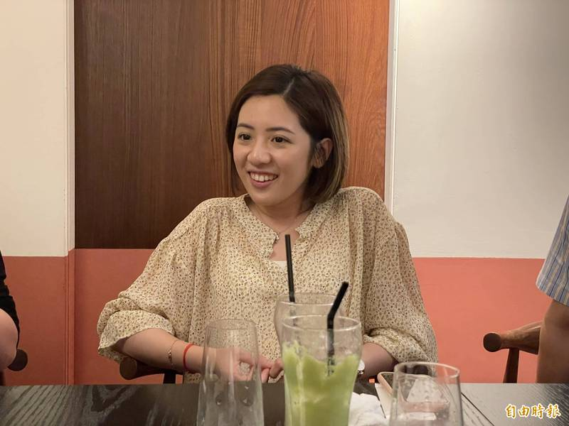 台北市政府副發言人「學姊」黃瀞瑩也完成疫苗接種。(記者鄭名翔攝)