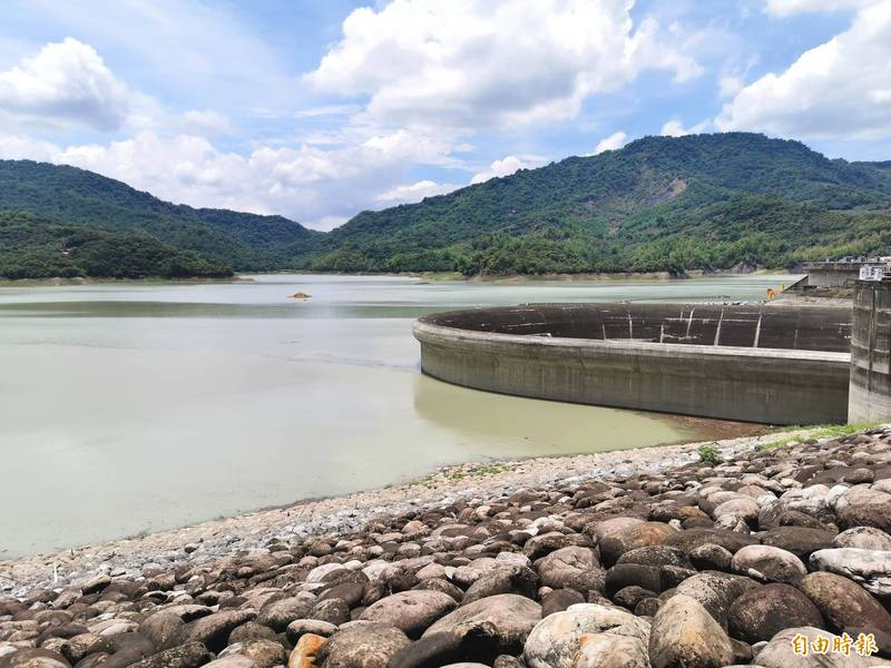南化水庫的蓄水率已接近6成,旱象稍有緩解。(記者吳俊鋒攝)