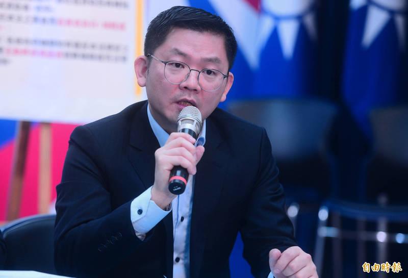 國民黨智庫副執行長黃心華表示,如果國產疫苗只有通過2期,就不能放在與獲得國際認證的疫苗同等位階,只能當成「備用疫苗」,若無法取得其他國際疫苗時,才能被當成保命依據。(資料照)