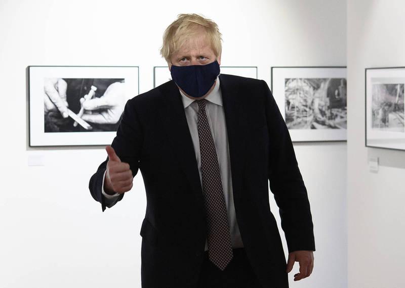 英國首相強森宣布英國將向低收入國家提供1億劑疫苗,G7會議上也將同意向全世界提供至少10億劑疫苗。(美聯社)