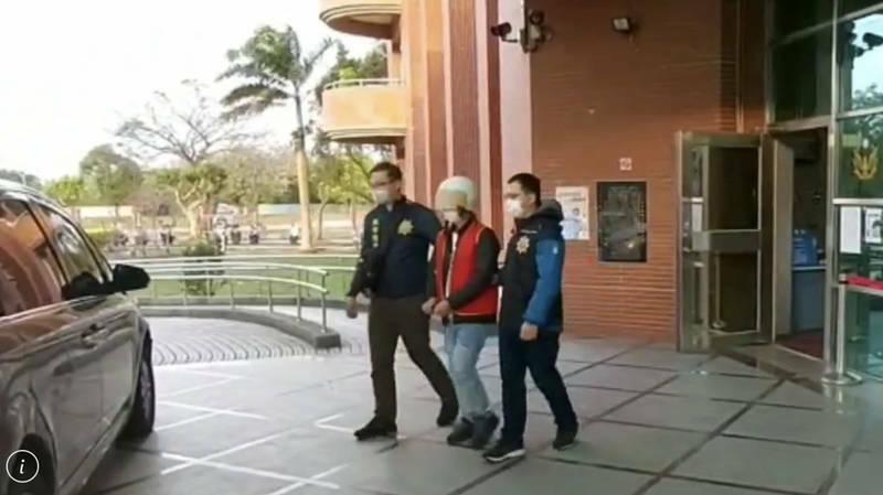 案發後八德警方陸續拘提涉案人士到案說明。(記者李容萍翻攝)