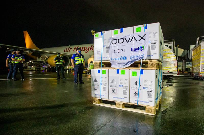 美國助菲的228萬劑輝瑞疫苗於10日晚間送抵馬尼拉。(翻攝自美國駐菲大使館新聞稿)