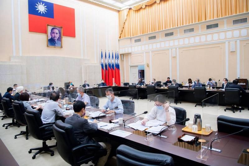行政院長蘇貞昌今天上午召開擴大防疫會議。(政院提供)