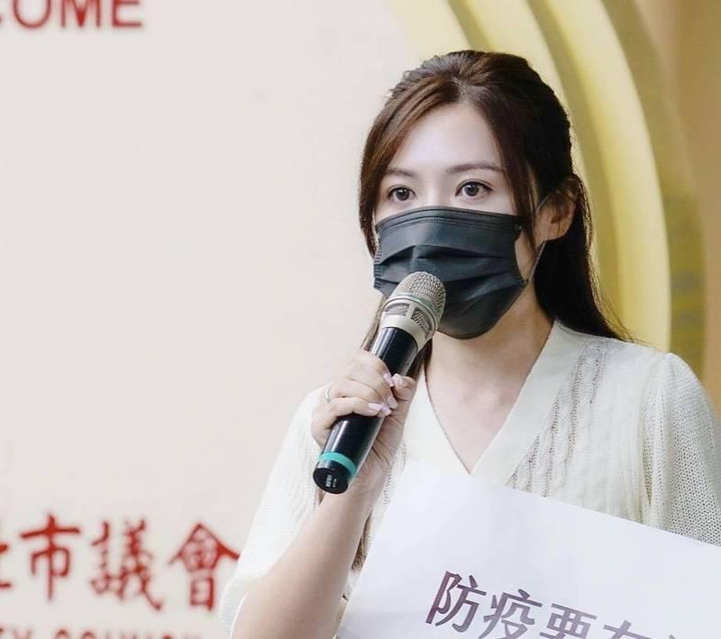 民進黨台北市議員吳沛憶(見圖)表示,經詢問北市府疫苗施打相關問題後,發現每一環節都還沒準備好,讓她傻眼「天哪。現在是在擺爛嗎?」(吳沛憶提供)