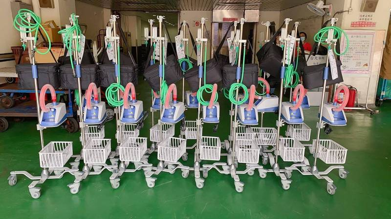 賈永婕號召企業界友人,共同捐贈「救命神器」高流量氧氣鼻導管全配系統(HFNC)給各大醫院。(資料照,翻攝自臉書)