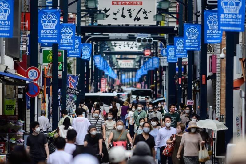 東京今日新增209人確診、大阪57人,都比上週一單日確診人數少。(法新社)