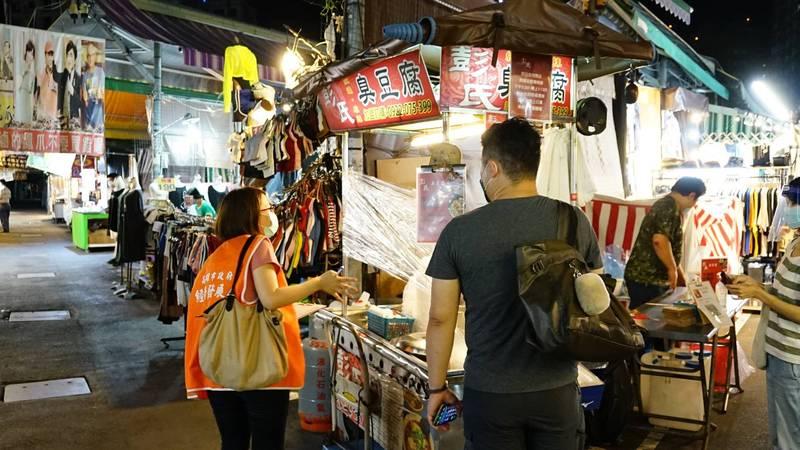 [新聞] 高雄瑞豐夜市今晚重啟 僅1/4攤商營業