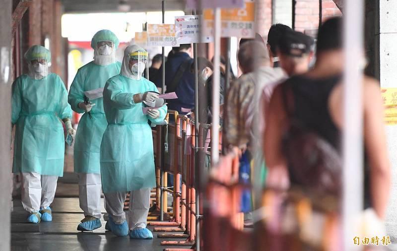台灣武漢肺炎疫情自5月10日開始直轉急下,病毒快速擴散。(資料照)