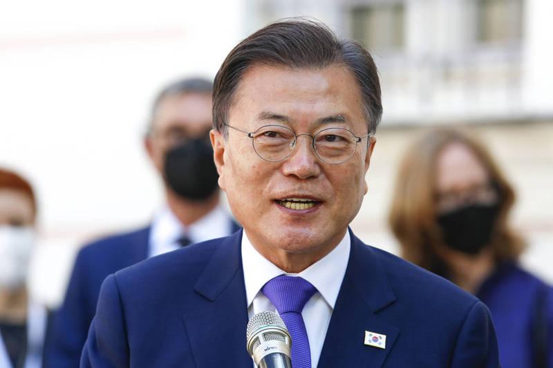 南韓總統文在寅於今(15)日上午和德國生技公司CureVac首席執行官哈斯舉行視訊會議,商討加強新冠疫苗合作。(美聯社)