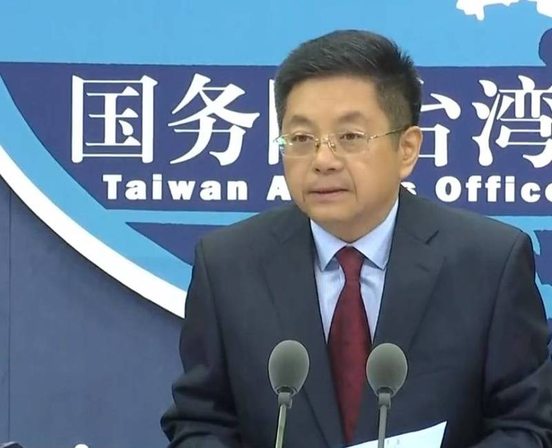 金曲歌王蕭敬騰在上海接種中國國藥疫苗,中國國台辦發言人馬曉光今日表示,台灣有關人士在大陸接種疫苗後表達的心情和感受,體現了「血濃於水」的兩岸親情。(翻攝直播)