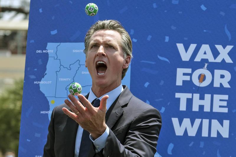加州州长没戴口罩宣布解封 10名接种疫苗幸运儿抱走千万大奖