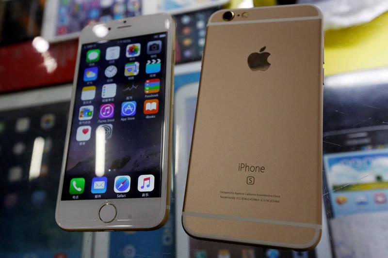 市調機構Statista指出,iPhone 6s將能支援「iOS15」作業系統,讓其破紀錄成為使用「第7個」iOS新版本的舊手機(路透)