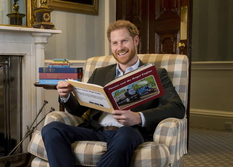 英國著名的整形醫師沙馬拉克指出,英國哈利王子(Prince Harry)掉髮速度加快,若不即時治療,恐面臨「頂上危機」。(美聯社)