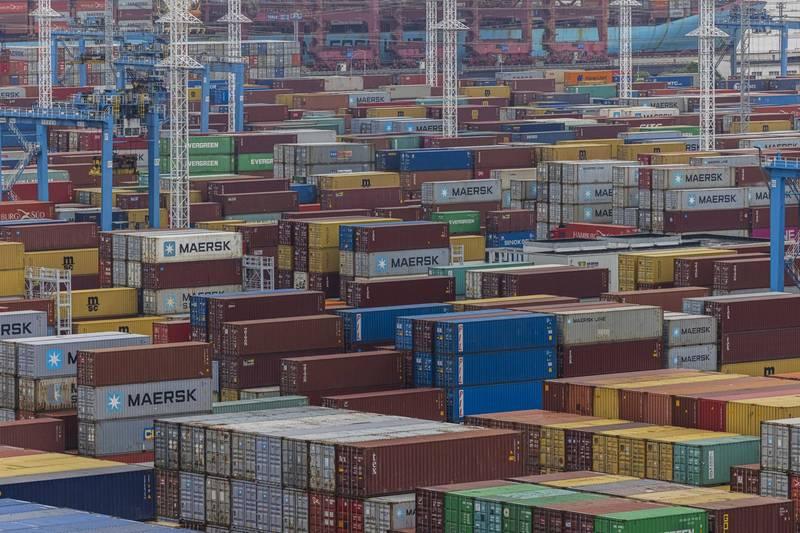 中國日商組成的「中國日本商會」今(16日)公布建議書,希望中國政府改善商業環境,確立出口管制標準,圖為中國寧波舟山港。(歐新社)