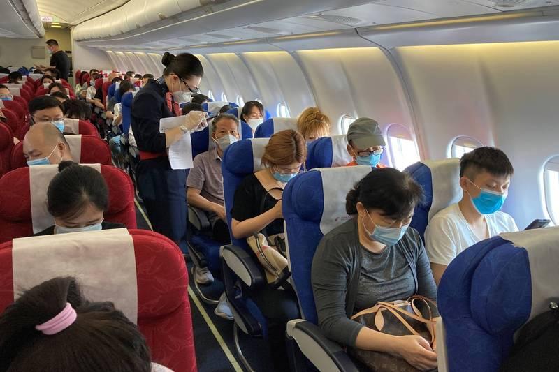 中國國際航空CA868航班10日從南非入境深圳,昨天核酸檢測有25人呈陽性結果。示意圖,非當事航班。(路透)