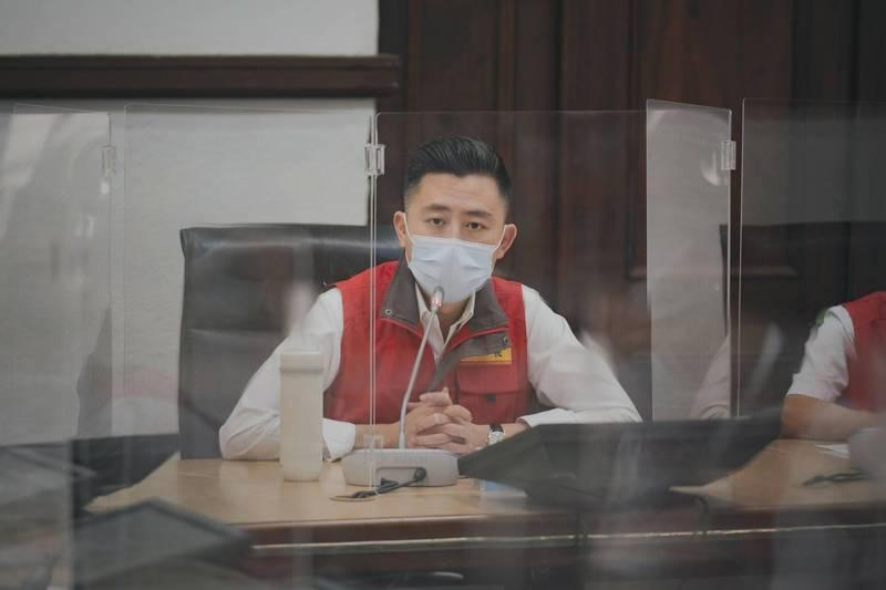 新竹市長林智堅今天表示,因疫情影響攤商生意,竹市公有市場5月到6月的攤位租金全免。(圖由市府提供)