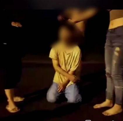 台中一16歲少年被鄭姓女子等7人約出拳打腳踢教訓。(記者陳建志翻攝)