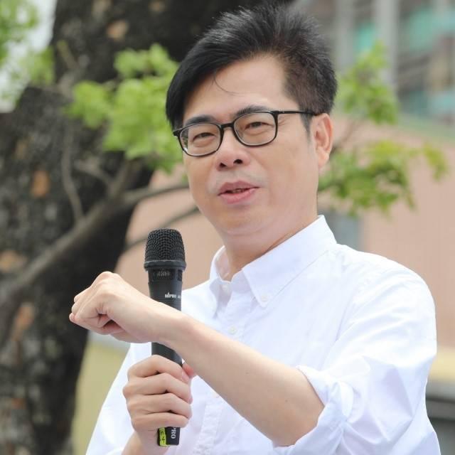 港警搜查蘋果日報,陳其邁聲明高雄撐香港的民主自由。(記者王榮祥翻攝)