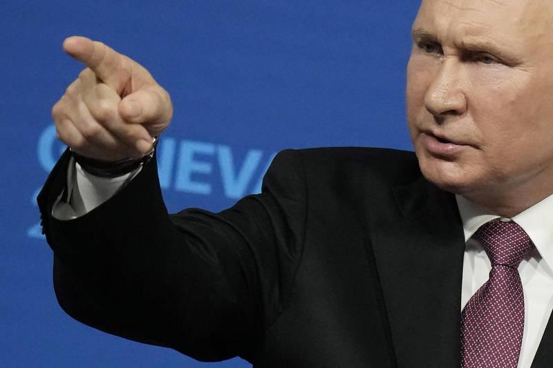 俄總統普廷在峰會後獨自召開記者會。(歐新社)
