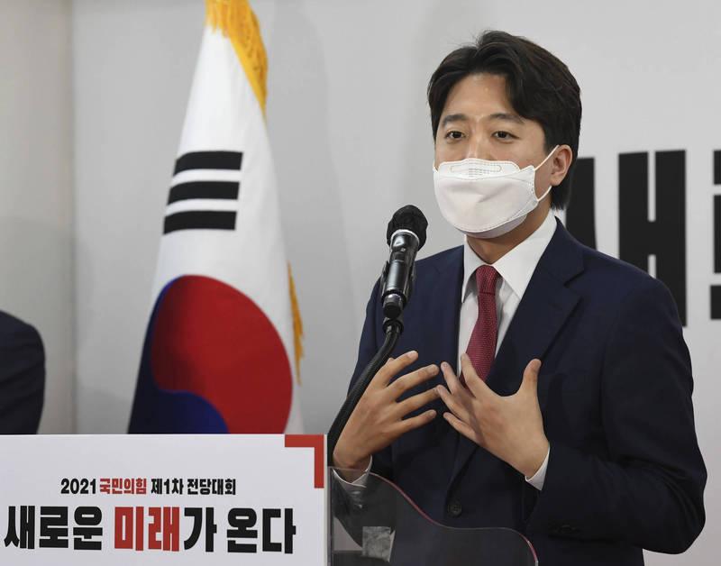 南韓最大在野黨「國民力量黨」黨代表寶座日前由36歲李俊錫擊敗黨內眾大老後奪下,成為南韓史上最年輕黨魁。(美聯社)