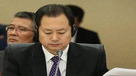 中國國安部副部長董經緯傳叛逃美國,圖為他過往出席會議的畫面。(翻攝自微博)