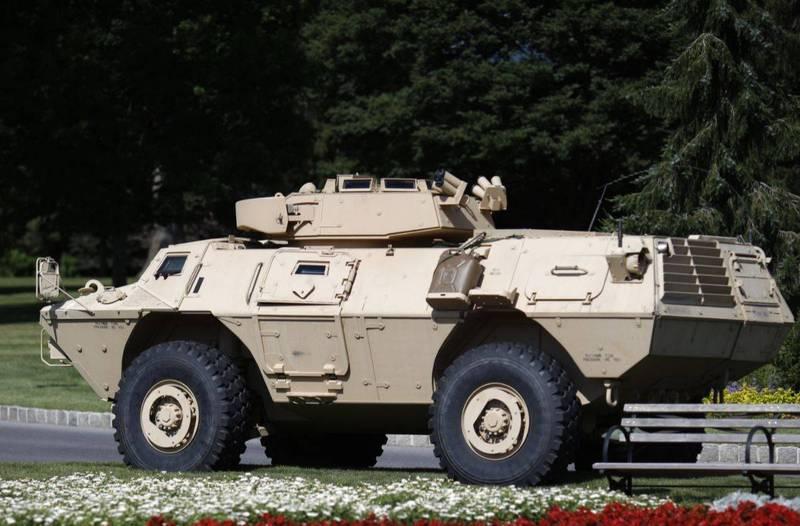 美製M1117裝甲車。(彭博)