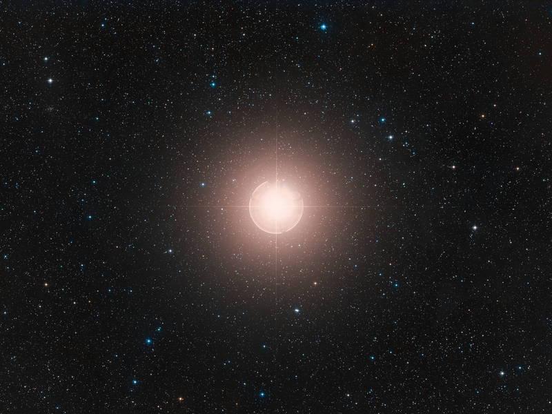 獵戶座參宿四是1顆恆星,距離地球僅700光年。(歐新社)