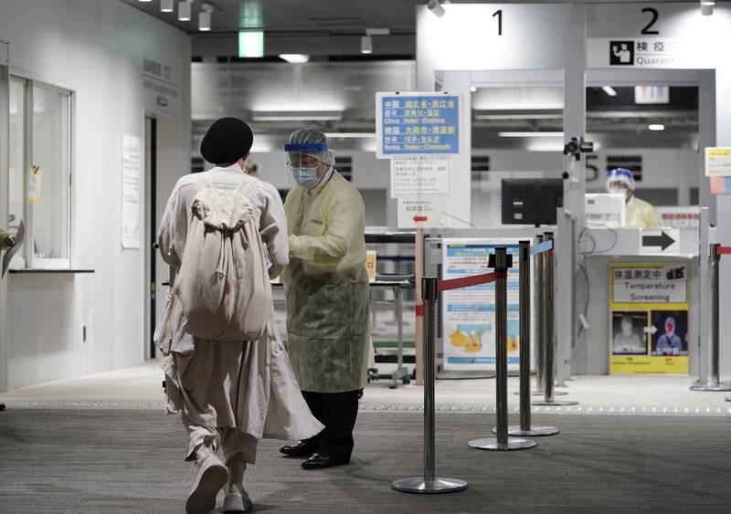 一名台灣旅客昨(17日)獨自搭乘星宇航空獨自飛抵澳門,初檢結果顯示該名旅客感染的病毒為Delta變種病毒,示意圖,非當事人。(法新社)