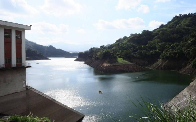 鯉魚潭水庫在最新一波梅雨助攻下,一夜蓄水量猛增105萬噸,已經突破5000萬噸。(記者陳建志翻攝)